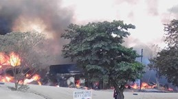 Uganda: Nổ xe tải chở xăng dầu có nguy cơ gây thương vong lớn
