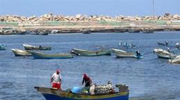 Lo ngại bóng bay, Israel hạn chế vùng đánh bắt cá ngoài khơi Dải Gaza