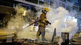 Hong Kong bắt 3 đối tượng tình nghi ném bom xăng vào đồn cảnh sát