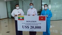 Việt Nam trao hàng vật tư y tế hỗ trợ Myanmar chống dịch COVID-19