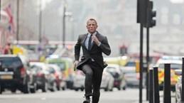 Daniel Craig gặp tai nạn, không thể tiếp tục quay Bond 25