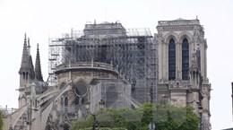 Nên giữ lại hồn xưa hay hiện đại hóa nhà thờ Đức Bà Paris?