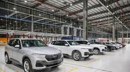 """Ưu đãi """"chồng"""" ưu đãi, VinFast bán ra hơn 2.100 xe ôtô trong tháng Năm"""