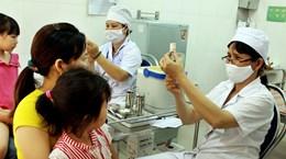 [Photo] Hà Nội: Tiêm phòng sởi miễn phí cho trẻ 2-10 tuổi