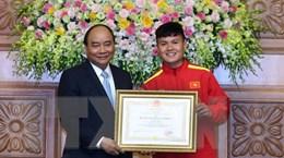 Thủ tướng trao tặng huân chương cho HLV Park Hang-seo, Quang Hải