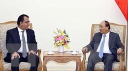 Thủ tướng Nguyễn Xuân Phúc tiếp các đại sứ Chile và Canada
