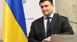 Ngoại trưởng Ukraine Pavlo Klimkin viết đơn xin từ chức