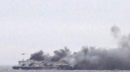 Hải quân Italy đã sơ tán toàn bộ hành khách khỏi phà cháy