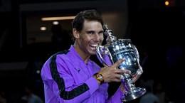 Khoảng khắc khó quên trong ngày Nadal áp sát kỷ lục của Federer