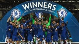Khoảnh khắc Chelsea nâng cao chiếc cúp vô địch Champions League