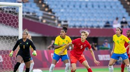 Tuyển nữ Canada loại Brazil sau loạt sút luân lưu căng thẳng