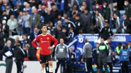 Premier League: Chelsea trở lại ngôi đầu, M.U thảm bại