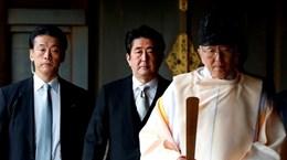 Thủ tướng Nhật Bản Shinzo Abe gửi đồ lễ tới đền Yasukuni