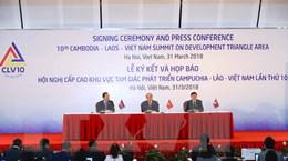 [Photo] Lễ ký kết và họp báo thông báo kết quả Hội nghị Cấp cao CLV10