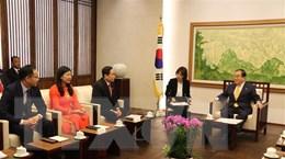 Đoàn đại biểu cấp cao Mặt trận Tổ quốc Việt Nam làm việc tại Hàn Quốc