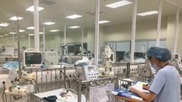 Điều trị cho bé sinh non 1,1 kg bố mẹ tử vong ở đám cháy gần Viện Nhi