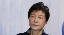 Cựu Tổng thống Hàn Quốc Park Geun-hye bị kết án 5 năm tù giam