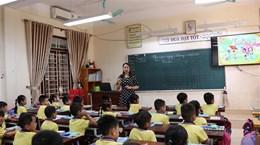 Mở rộng các kênh để giáo viên và người dân giúp 'nhặt sạn' SGK
