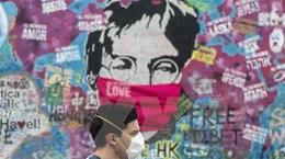 Cộng hòa Séc, Hà Lan và Bắc Ireland siết chặt biện pháp dập dịch