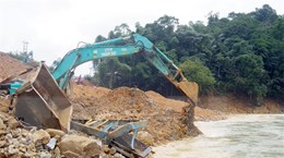 Tìm kiếm 57 người mất tích ở Thừa Thiên-Huế, Quảng Nam và trên biển
