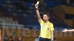 Trọng tài V-League lại sai lầm, tính trong sạch ngày càng bị hoài nghi