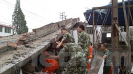 Động đất ở Tứ Xuyên: Hơn 200 người chết, mất tích