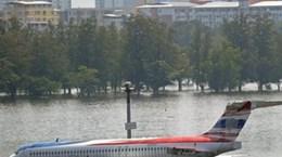 Don Mueang vẫn lụt