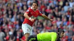Hạ Chelsea, Man. Utd chạm tay vào chức vô địch