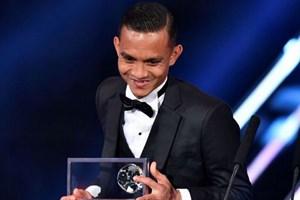 Cận cảnh bàn thắng đẹp nhất năm 2016 của cầu thủ người Malaysia