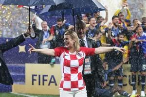 Tổng thống Croatia - ngôi sao thực sự của World Cup 2018