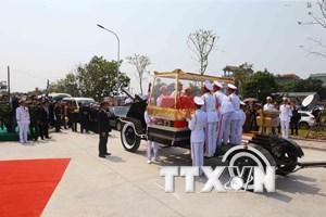 Hình ảnh đón linh cữu nguyên Tổng Bí thư Đỗ Mười tại quê nhà Đông Mỹ