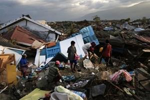[Video] Indonesia lại hứng chịu động đất mạnh, 3 người thiệt mạng