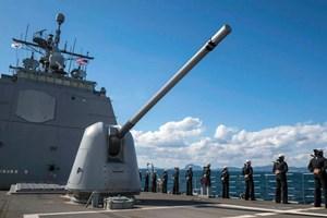 Mỹ điều tàu chiến tới gần các đảo ở Biển Đông trước thềm G20