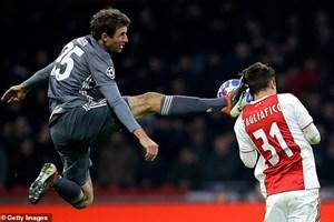 Xác định xong 16 đội bóng vào vòng knock-out Champions League