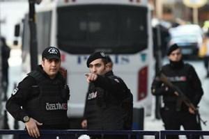 Thổ Nhĩ Kỳ bắt giữ 100 binh sỹ bị nghi có quan hệ với giáo sỹ Gulen