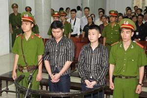 [Photo] Xử sơ thẩm vụ vứt xác tại thẩm mỹ viện Cát Tường