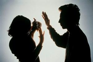 Italy lo ngại tình trạng bạo lực với phụ nữ ngày càng gia tăng