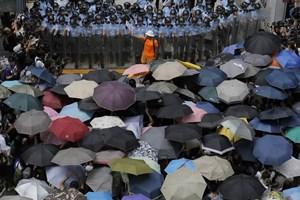 """Hong Kong: Tuần hành kỷ niệm 1 năm phong trào """"Chiếm trung tâm"""""""