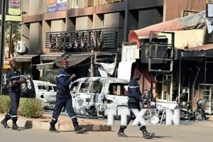 Xác định danh tính 6 nạn nhân Canada trong vụ khủng bố ở Burkina Faso