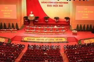 Thông báo kết quả Đại hội Đảng với các lãnh đạo cấp cao của Lào