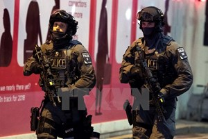 Bắt giữ một phụ nữ nghi liên quan tới tấn công khủng bố ở Anh