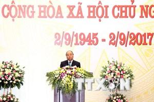 Thủ tướng chủ trì tiệc chiêu đãi quốc tế nhân dịp Quốc khánh