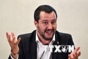 Bộ trưởng Nội vụ Italy bị điều tra về vụ không tiếp nhận tàu Diciotti