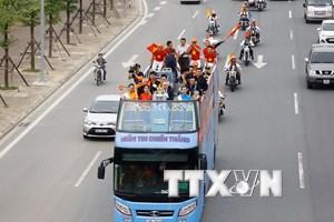[Photo] Hành trình rước Cúp vô địch Ngoại hạng Anh tại Việt Nam