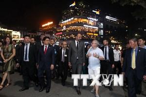 Thủ tướng Pháp kết thúc tốt đẹp chuyến thăm chính thức Việt Nam