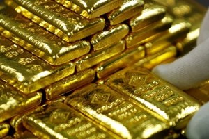 """Giá vàng thế giới giảm chạm """"đáy"""" trong vòng hơn một tuần"""