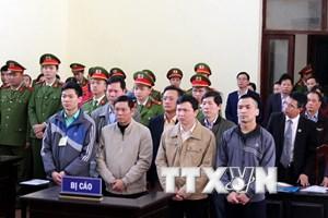 Mở lại phiên tòa xét xử 7 bị cáo trong sự cố chạy thận tại Hòa Bình