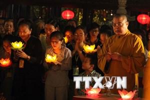 Đêm hội hoa đăng cầu nguyện cho Hà Nội luôn phát triển bền vững