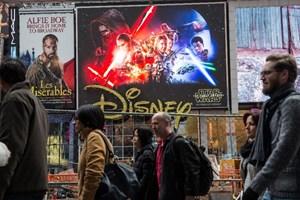 Hollywood lên cơn sốt với phần 7 của ''Chiến tranh giữa các vì sao''
