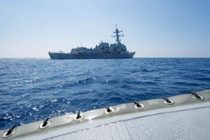 Trung Quốc cảnh báo tàu chiến của Mỹ rời khỏi Biển Đông